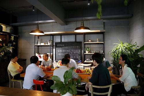 广西市场访问蜜菓总部博多